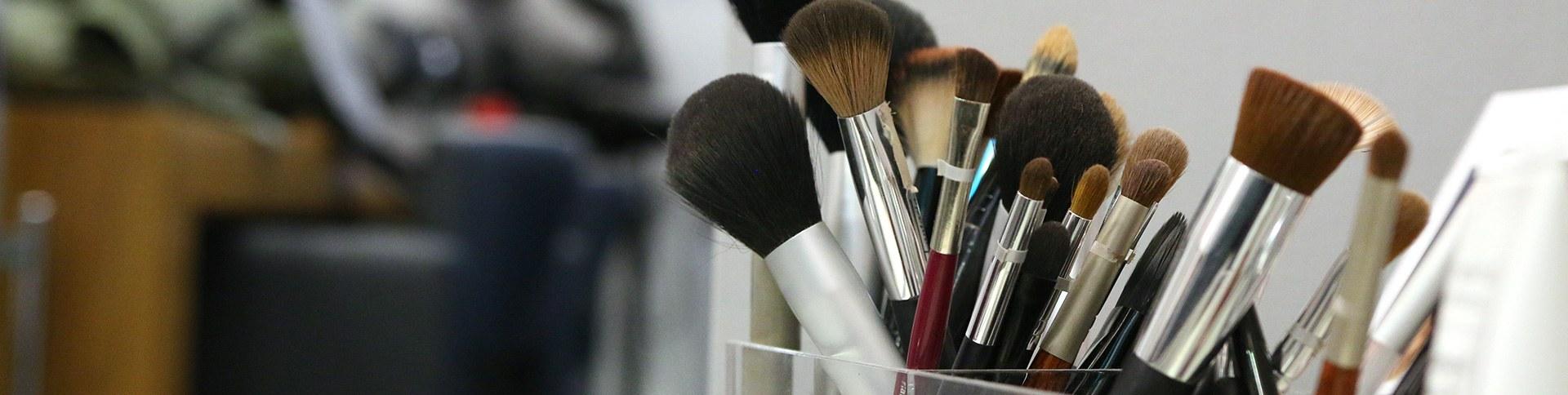 Figaro der Friseur Perfektes Styling und Makeup